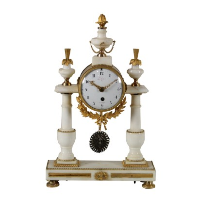 Table Clock Lèchopiè à Paris Marble Gilded Bronze France 1700s